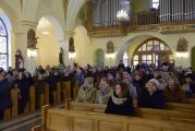 Mieszkańcy_Bud_Głogowskich_zgromadzeni_w_kościele_na_promocji_książki.jpg