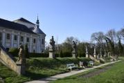 10_elewacja_ogrodowa_pałacu.jpg